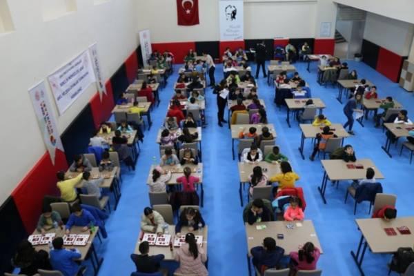 Uşak Gençlik Merkezi, Zeka ve Akıl Oyunları Turnuvası Düzenledi